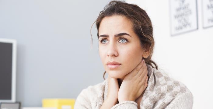 halsschmerzen - Bei Halsschmerz mit natürlichen Mitteln helfen