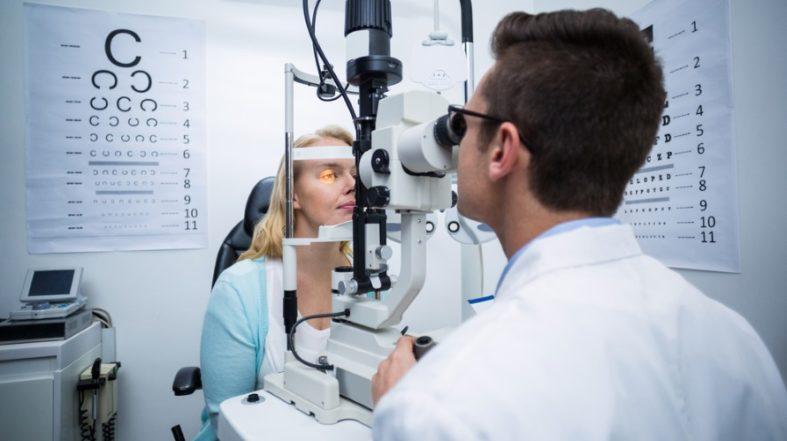 hornhauttopografie - Hornhauttopografie - Untersuchung beim Augenarzt